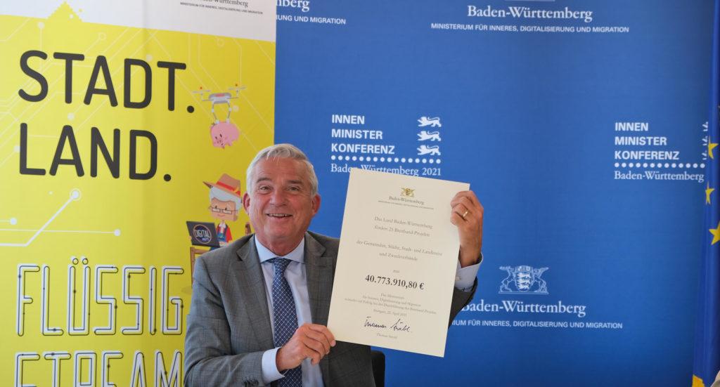 Thomas Strobel Breitbandübergabe; Fördermittel Baden-Württemberg